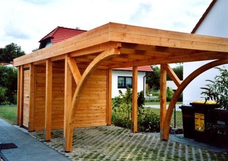 Holzcarport mit Rundbogen